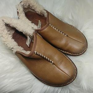 UGG Bettey slip on shoes size 6